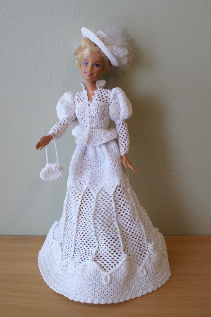 Crochet Barbie : Crochet Barbie dress by Annie 39 s Granny Design design by Sandra ...