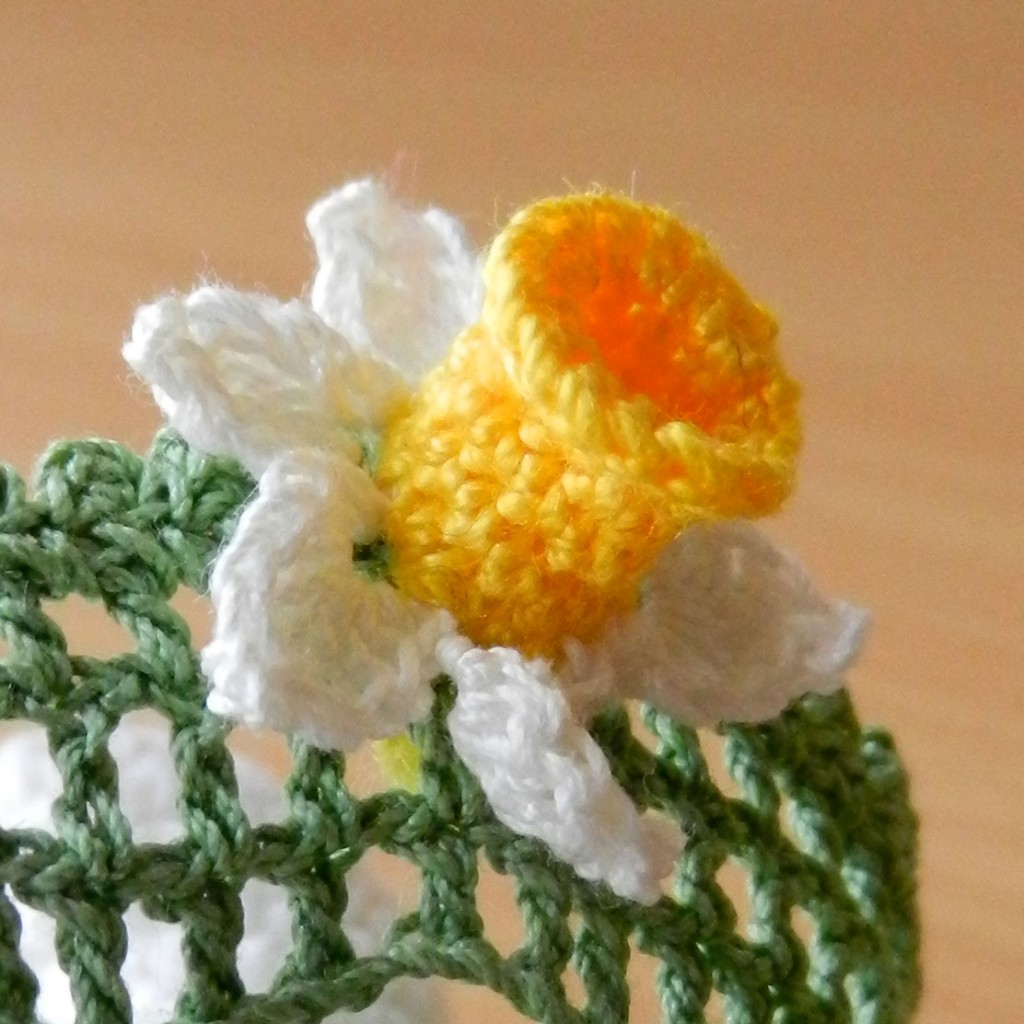 daffodils and patterns A free crochet daffodil pattern from ruby & custard step by step instructions and  suitable for beginners enjoy.
