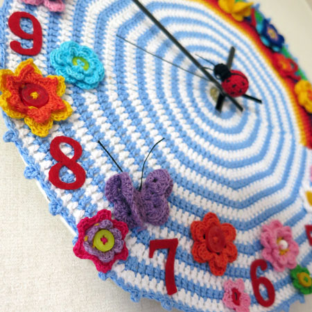 Crochet-clock-1-detail-left