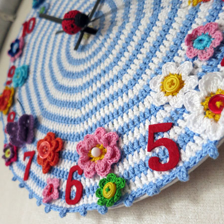 Crochet-clock-1-detail-right