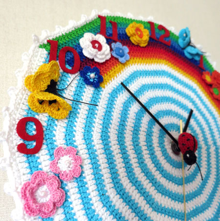 Crochet-clock-2-detail-left