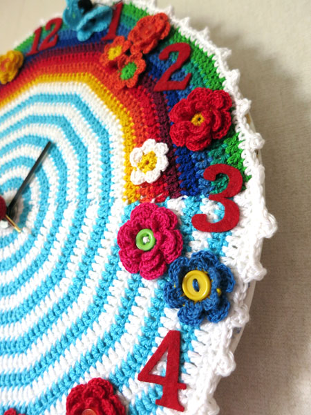 Crochet-clock-2-detail-right