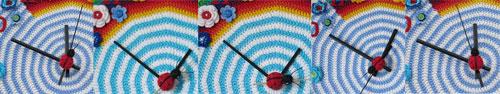 Crochet-clock-ladybug-moves
