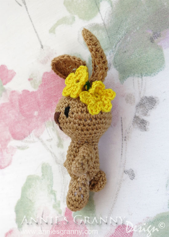 Miniature-Amigurumi-Bunny-side