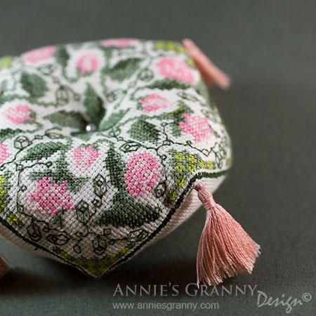 Biscornu-by-Annie's-Granny-Design