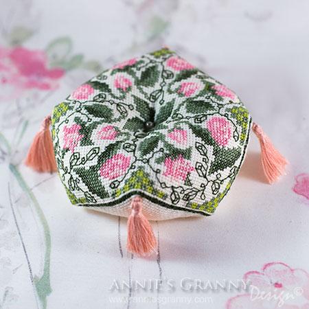 Biscornu-by-AnniesGranny-Design
