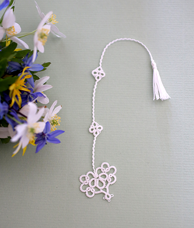 tatted heart bookmark