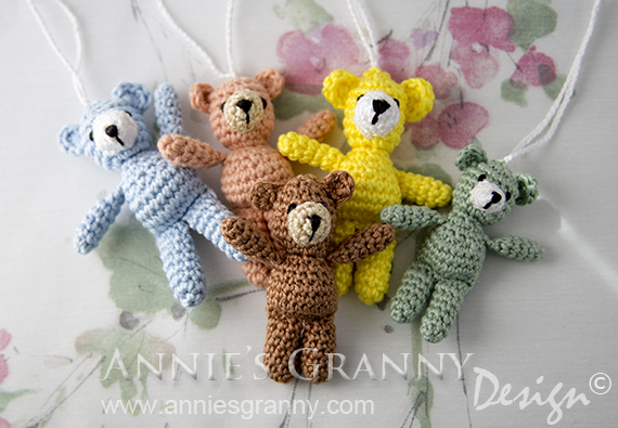 Amigurumi Teddy Bear Free Patterns : Liten virkad nalle u2013 small crochet bear annie's granny design