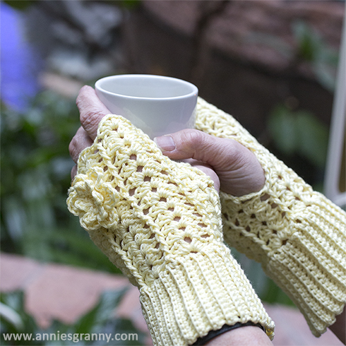 Handledsvärmare, gratis mönster - Wrist warmer, free pantern