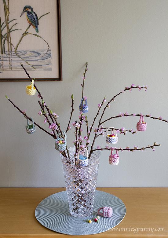 Mini Crochet Easter basket
